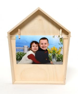 Wooden frame for pictures - house IDEA1582