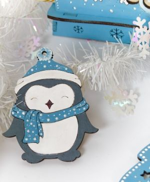 Wooden Christmas figurine - Penguin IDEA1763