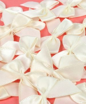 Simply Creative Mini Bows 16 pcs - Ivory SCRBN004